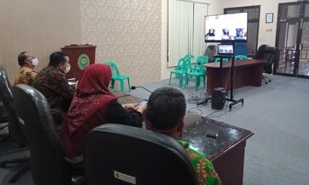 Rapat Pembinaan Ketua Pengadilan Tinggi Agama Medan Dengan PA Se Sumatera Utara Melalui Virtual Meeting