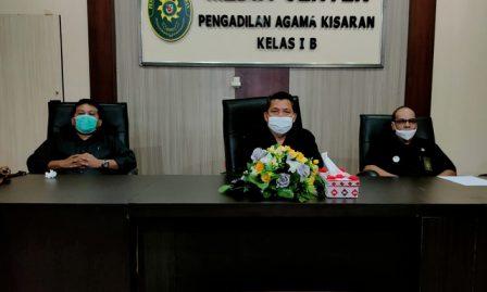Ketua, Panitera dan Sekretaris PA Kisaran Ikuti Bimtek Kompetensi Tenaga Teknis Peradilan Agama secara Daring