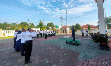 """Pimpin Apel Pagi, Wakil Ketua PA Kisaran: """"Tingkatkan pelayanan kepada para pencari keadilan""""."""